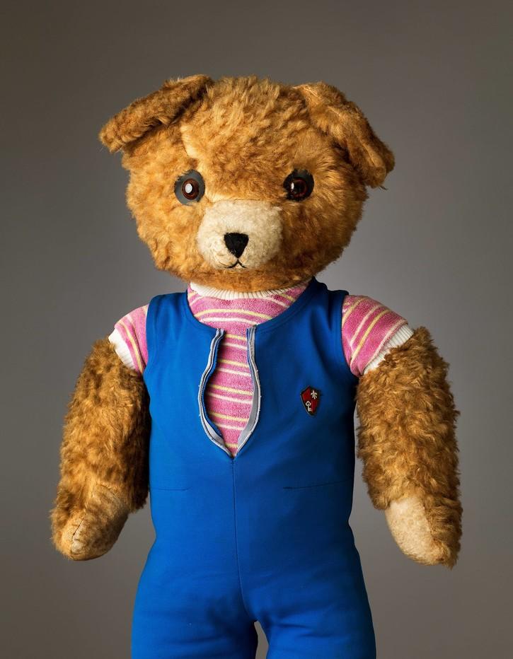 Derek Ward - Teddy