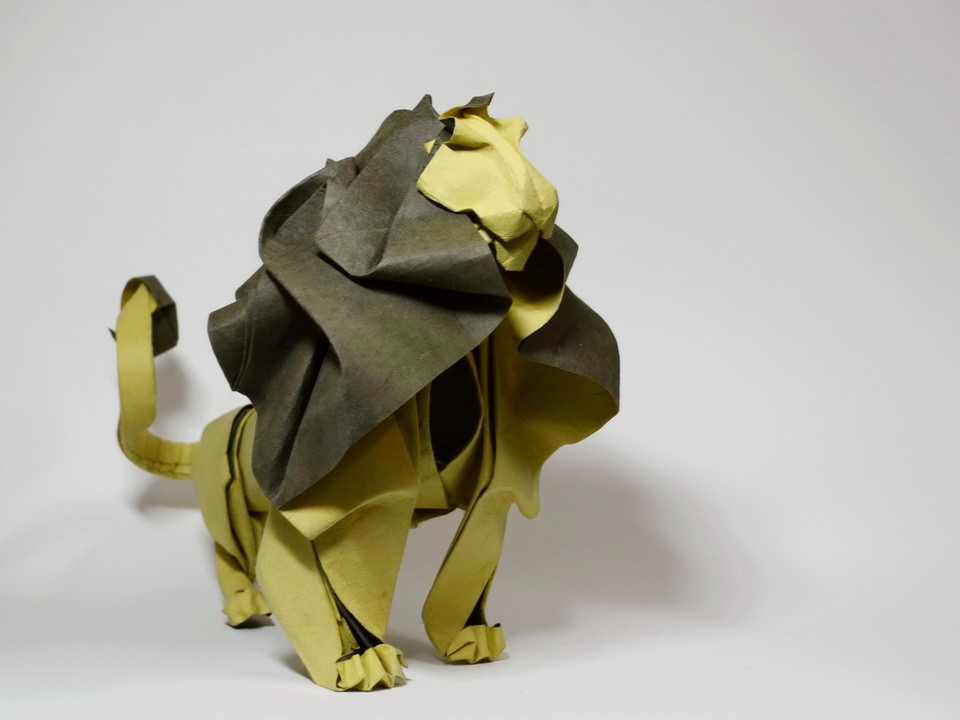 Origami Lion by Fumiaki Kawahata. Folded from a square of Biotope ... | 720x960