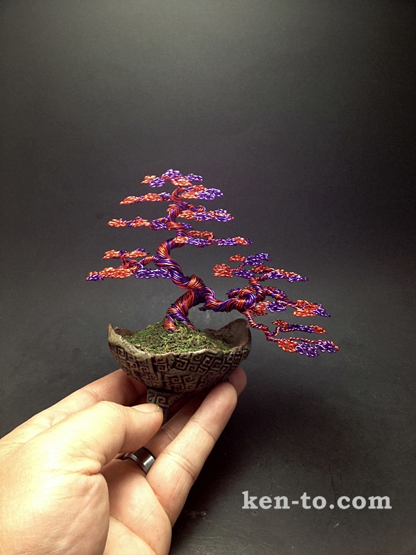 red_and_purple_wire_bonsai_tree_by_ken_to_by_kentoart-d893f8p