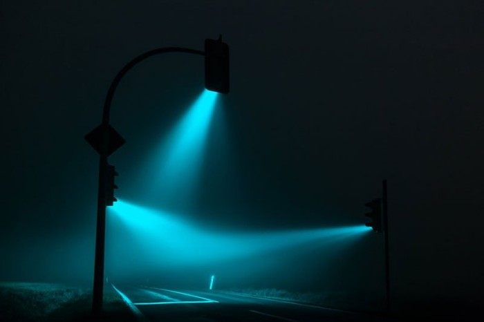 traffic-lights-in-the-fog-long-exposure-by-lucas-zimmerman-4
